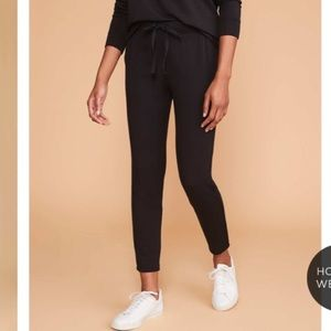 Lou & Grey Signature Softblend Black Sweatpants
